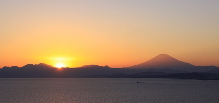 ไปชมวิวภูเขาไฟฟูจิที่เกาะเอโนชิมะกันเถอะ!